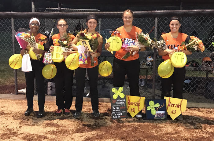 2018 Softball Seniors